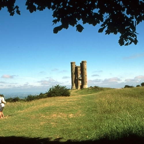 Guided walking in Cotswolds - Broadway Tower
