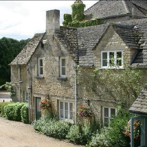 Guided walking in Cotswolds - Stratton House Hotel