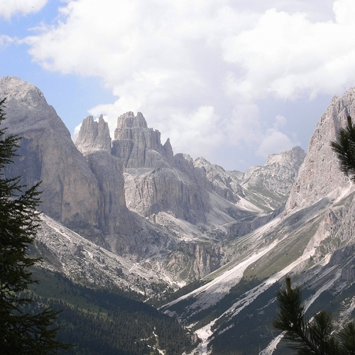 Guided walking - High up in a Dolomites Valley